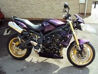 Triumph Street Triple 62 Plate One owner 1400 miles Purple. Immaculate