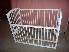 White Baby's Cot with Height Adjustable Base