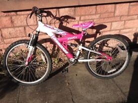 Unisex Bicycle for sale would suit 8-16 years