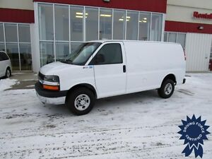 2016 Chevrolet Express G2500 Cargo Van w/Rear Heater 11,894 Kms