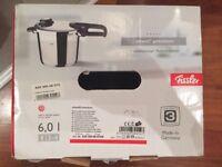Fissler 620-300-06-070/0 Pressure Cooker Vitavit Premium 6.0 Litre with Insert 22 cm