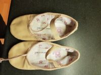 Children's pink ballet shoes size 10.5