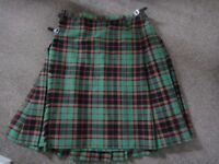 Green tartan kilt pure new wool 41 inch waist 74cms length still in excellent condition