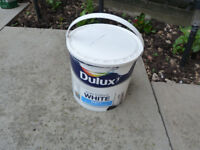 Dulux 2.5L Pure Brilliant Matt (for walls and ceilings) - about 3/4 left