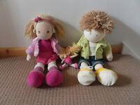 3 soft dolls. 2x Aurora 1X Amiguiinhos