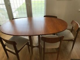 Retro dining room table and 5 chairs - Nathan design