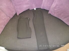 2 x boys school trousers in black size 8-9 yrs