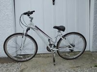 Schwinn his and hers Hybrid Bicyles only 2 hrs use!!!!!