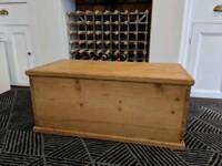Pine wooden chest/trunk toy box blanket box