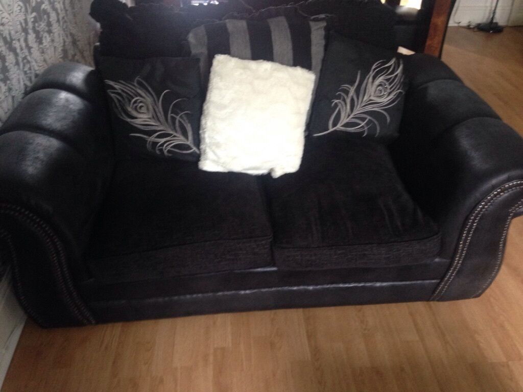Modern black and grey fabric sofas in pontypridd for Black and grey sofa