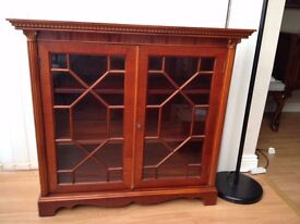 Classic Style Mahogany Bookcase or General Display Cabinet