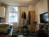 Beautiful double bedroom for rent for single person in East Ham (All Bill Included)
