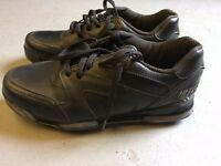 Golf Shoes - Ladies size 6 (39) with spikes and cleats