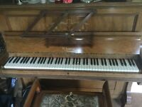 Piano - Upright Piano. Full working condition