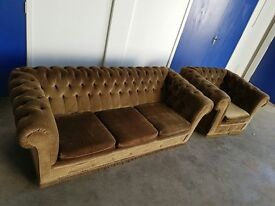 GREEN FABRIC/ VELOUR VINTAGE CHESTERFIELD 3 SEATER SOFA / SETTEE / SUITE & CLUB CHAIR CAN DELIVER