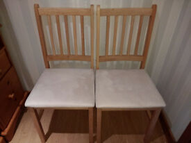 2 x Dining Chairs - Solid wood / Suede