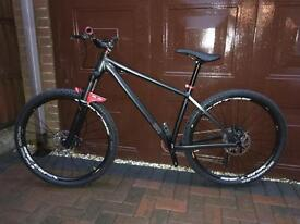 Brand New Custom Build Aggressive Hardtail Trail Bike 650b Medium