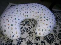 Baby feeding cushion in great condition