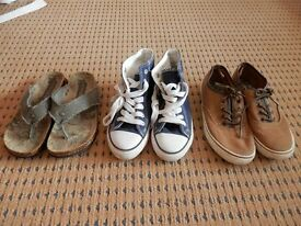 Boys sandals and 2 pairs of plimsoles, size 3, good condition.