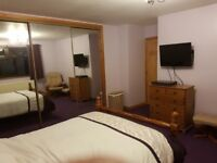 Large Double Room to rent central Elgin