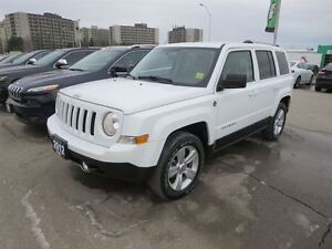 2012 Jeep Patriot Limited - 4x4  leather  heated seats  roof rac