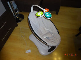 4moms mamaRoo Baby Bouncer AS NEW - No pets at home, non-smokers, with original 12-month warranty