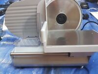 Andrew James Large Electronic Precision Food Slicer 19 cm Silver comes boxed 3 Blades Meat and Bread