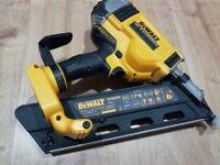 Dewalt 1st fix nail gun