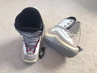 Snowboard, boots, bindings and protective bag