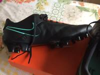 Nike Tiempo Genio 11 Leather Football Boots.