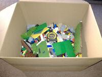 5KG approx box of Lego compatible Mega bloks, Cobi ect.