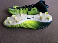 RONALDO football shoes size 8.5
