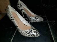 Stiletto heels snake skin effect size 7