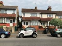AUGUST LET - STUDENTS Large 6 bedroom semi-detached house in central location close to Lewes Road