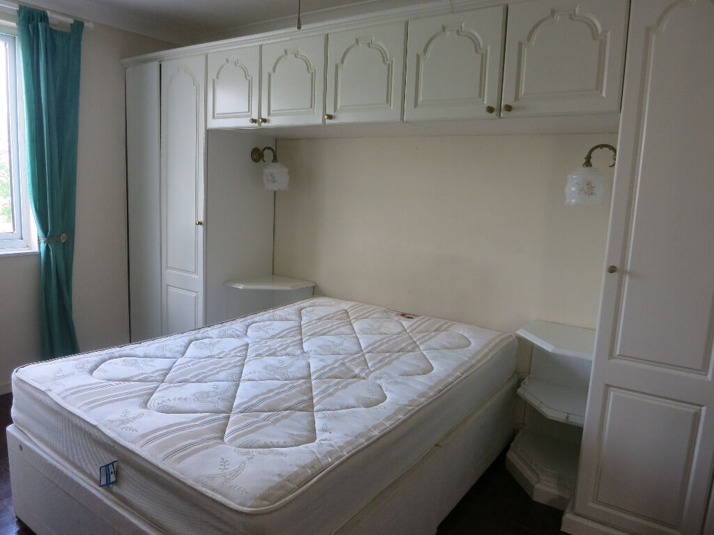 TWO DOUBLE BEDROOMS IN A BEAUTIFUL HOUSE IN BARNES !!! ALL BILLS INCLUDED !!!