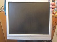 Medion 17 inch Colour Monitor Mint condition + Boxed