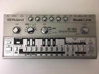 ROLAND TB-303 TB303 WITH CASE AND ORIGINAL MANUAL!