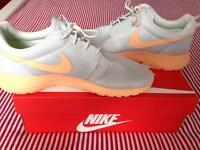 Brand new Nike Roshe size 7.5