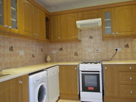 DOUBLE ROOM TO RENT SEVAN SISTER TUB STATION