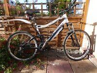 Electric bike: 750 watt mid mount Bafang. Giant Yukon
