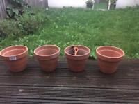 The set of 4 garden pots