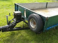 Double dropside trailer with winch