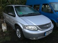 Chrysler Grand Voyager CRD LX 2499cc Petrol 5 speed manual 7 seat estate 02 Plate 04/03/2002 Silver