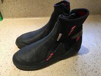 Crew saver Zipcon boots