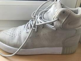 Adidas high top trainer brand new s. 8 uk
