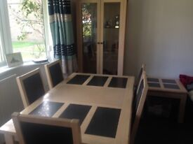 Beautiful light oak dining table & 6 chairs