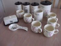 13 ITEMS OF PRICE KENSINGTON HOME FARM MUGS, TEA, COFFEE, SUGAR ETC. DELIVER LOCALLY FREE