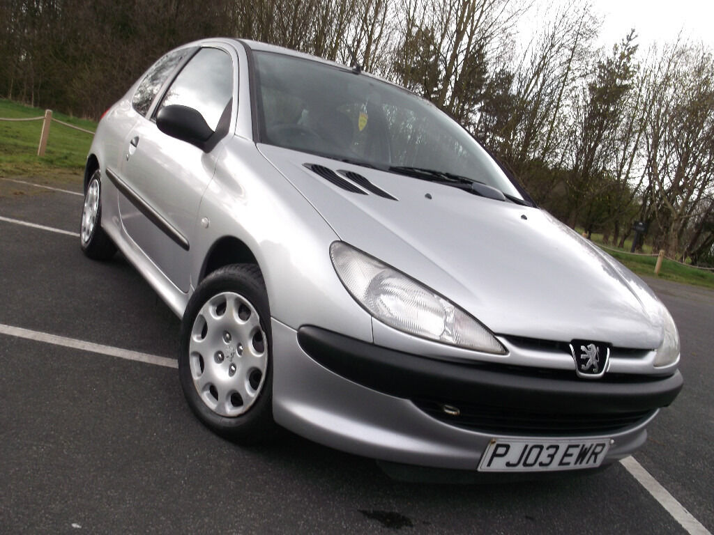 l k peugeot 206 1 4 hdi silver turbo diesel long mot 60 mpg cheap insurance tax hpi clear 3. Black Bedroom Furniture Sets. Home Design Ideas