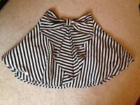 Bow skirt size 8