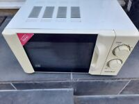Microwave 700w - Has defrost and 30 minutes timer option - Can deliver Local FREE